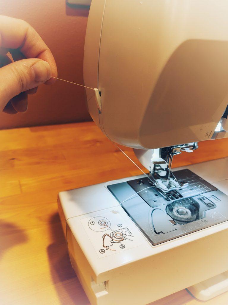 Thread cutter of sewing machine