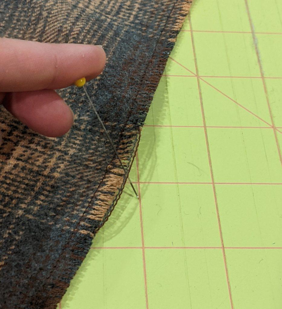 Creating fringe along cut edge